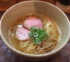 地鶏×魚介スープの塩ラーメン!おすすめ汐そば 730円(税込)~