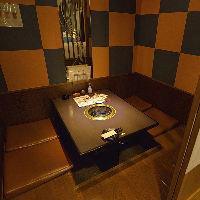 和モダンな雰囲気の掘りごたつ個室は、4~10名様まで7部屋完備