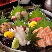 伊勢湾の海の幸や地元農家の野菜など、新鮮な食材にこだわる