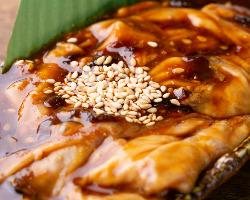 必食の『八丁味噌とんちゃん』!ホルモンの旨味が広がります!