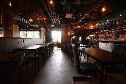 【店内】 最大50名様まで着席可能。宴会貸切やパーティにも◎