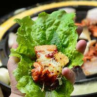 野菜のおかわり自由♪2種類のチーズ付◎チーズサムギョプサル
