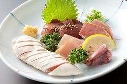 【鮮度が自慢】 日本酒と合わせて楽しみたい鶏刺し各種