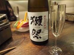 銘柄の日本酒やワインなどの数々を取り揃えております。