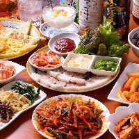 韓国冷麺や人気のチヂミなど全10品が味わえる「韓国料理コース」