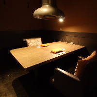 デートに人気のお席!2名様用の完全個室もご用意しております◎