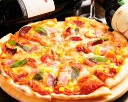 チーズたっぷりのオリジナルてんとうむしピッツアは大人気!