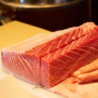 良質な食材が集まる新鮮な鮮魚の魅力をご堪能!