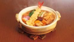 子供が好きなポテトや唐揚げなどがワンプレートで楽しめるセット