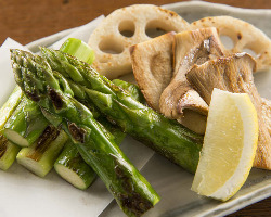 こだわりの有機野菜を使用した女性に人気のメニューも多数!