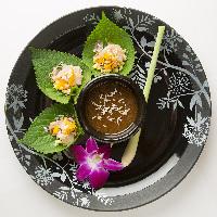 彩り鮮やかな一皿一皿は味覚視覚聴覚嗅覚すべてを刺激します。