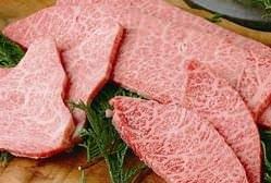 お祝い事には高級なお肉を!!様々な部位をご用意致します。