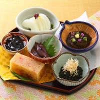 「べろべろ」や「蛍イカ沖漬け」など石川県郷土料理がずらり。