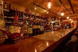 エルレガロ自慢のバックバーにはお酒がずらり