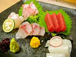 旬の刺身盛り合わせ五種盛り ¥2100