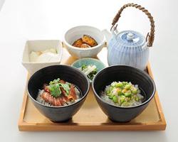 人気のハーフ&ハーフは980円 季節のだし茶漬けもOK!