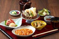 夜定食 1,980円 中華が三種より選べます。