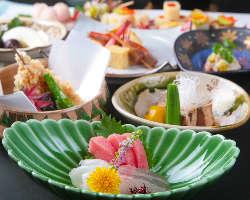 会席コースは5000円~10,000円。四季折々の料理をご堪能ください