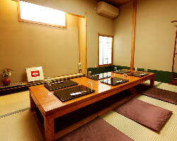 接待やお顔合わせに最適な掘りごたつ個室やお座敷個室を完備
