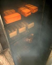 こだわりの食材から調味料まで すべて自家製の燻製です。