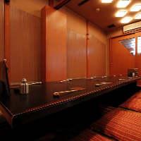 ゆったり寛げる掘り炬燵個室席は最大12名様までご利用頂けます。
