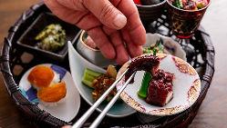 淡路島天然鯛の土鍋炊きご飯 常連さんに人気の逸品です。
