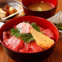 お食事メニューも充実♪宴の〆にオススメの海鮮丼