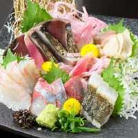 毎日市場から仕入れる鮮魚!季節のお魚をお楽しみ頂けます☆