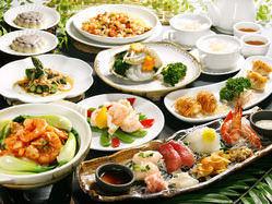 新鮮な海鮮物メインの大皿コースも大人気です☆