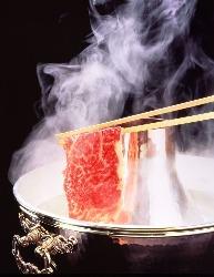 専門店の厳選されたお肉が 食べ放題!ご家族、ご友人と!