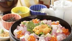 のどぐろなど店主が目利きする北陸の新鮮な魚介類を堪能ください