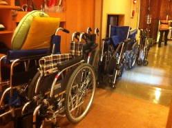 車椅子トイレ・エレベーター等、バリアフリー対応しております