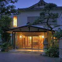 門をくぐると長岡の中心地とは思えない静けさが