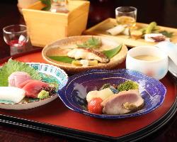 金沢ならではの食材を活かし、旬の味覚を先取り。
