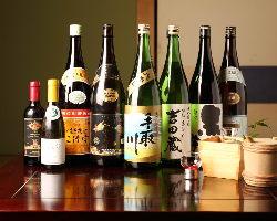 お料理に合う、金沢の地酒を取り揃えております。