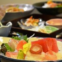 2時間飲み放題つきの宴会コースは6,000円(税込)~