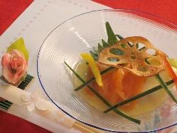 石川の新鮮な魚介類を使ったお料理もご用意しております。