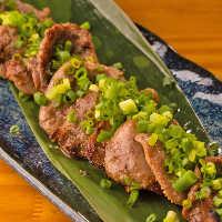 【料 理】 沖縄食材を使用!石垣牛やあぐー豚の味にうっとり♪