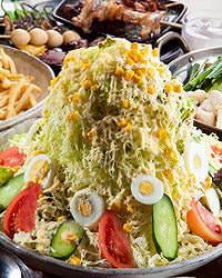 赤字覚悟!の大盤振る舞い! 「バカ盛り野菜サラダ」