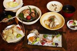 会席、弁当、鍋など、様々な調理法にてお料理をお出しします。
