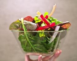 奥野農園など、店主自らが厳選した有機野菜を使用♪