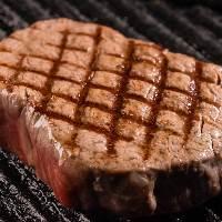 最高級A5ランク村上牛のサーロインステーキ。