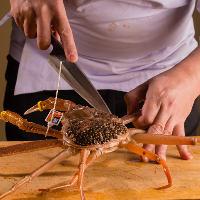 【当店自慢の蟹料理】 日本海で獲れた活蟹を贅沢に会席プランで