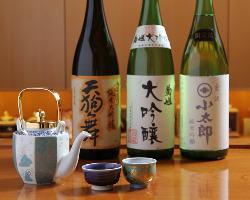 北陸の地酒を中心に、日本酒も豊富にご用意しております。