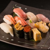 高鮮度な寿司10貫【極み】…3,000円(税込)