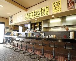 清潔感のある店内で、ごゆっくりお食事ができます。