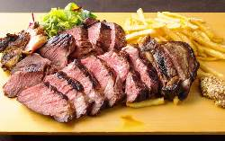 じっくり寝かせた熟成肉をご堪能ください!