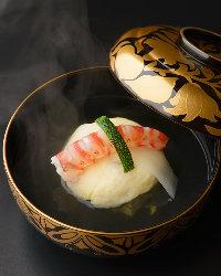 和食の基本でもある出汁にこだわり、素材味を活かした逸品揃い