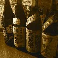 「日本酒ソムリエ」の資格を持つ店主厳選の日本酒が楽しめる!