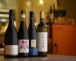 ワイン通だけでなくビギナーも楽しめる、種類豊富なラインナップ